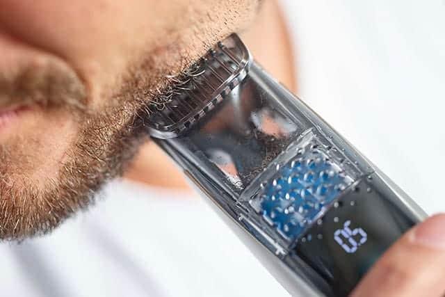 カットしたヒゲを吸引!フィリップスのヒゲトリマー7000シリーズが便利!0.5mmから20段階で調節可能