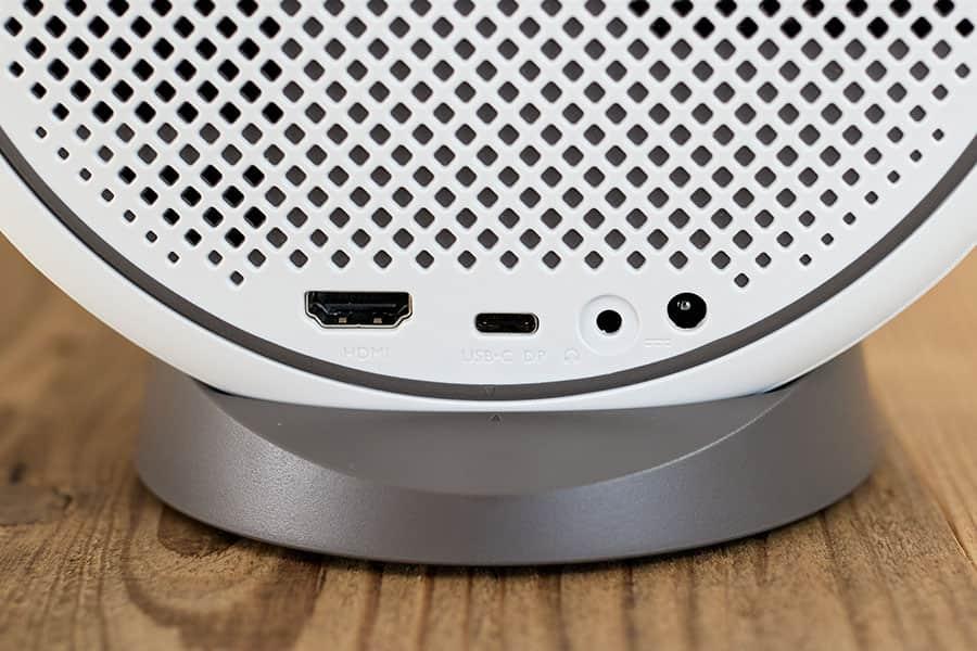 ポート HDMI USB-C オーディオ出力 電源アダプター