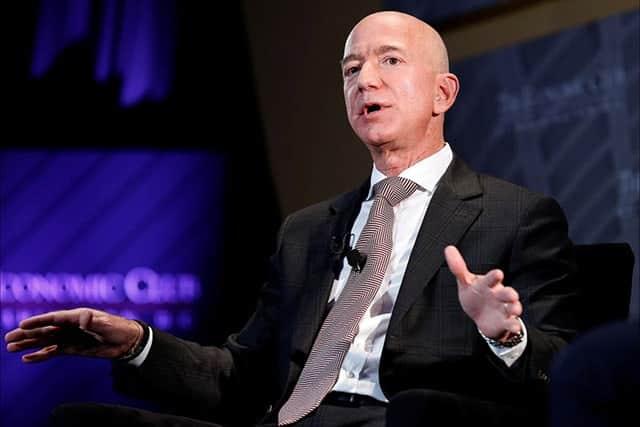 アマゾンのベゾス氏、大衆紙から脅迫受けたと告白