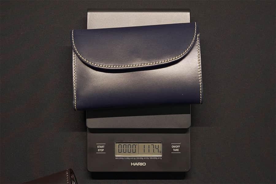ホワイトハウスコックスの三つ折り財布の重さは117.4g