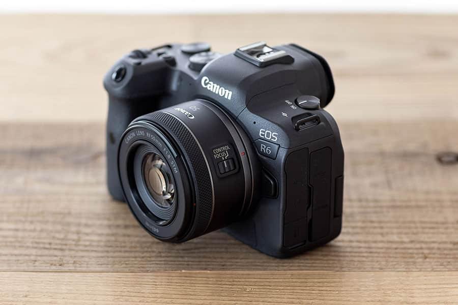 EOS R6に装着したRF50mm F1.8 STM