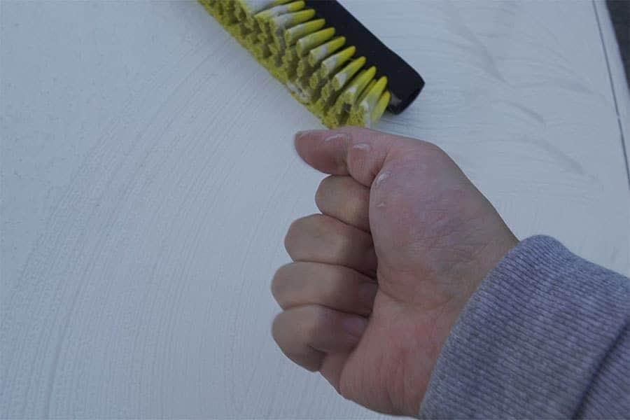 ブラシは使いやすいけどずーっと使ってると握力を持っていかれる