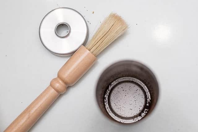 コーヒーミルの奥の微粉