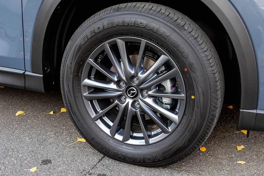 タイヤは225/65R17 ヨコハマタイヤ GEOLANDAR G98