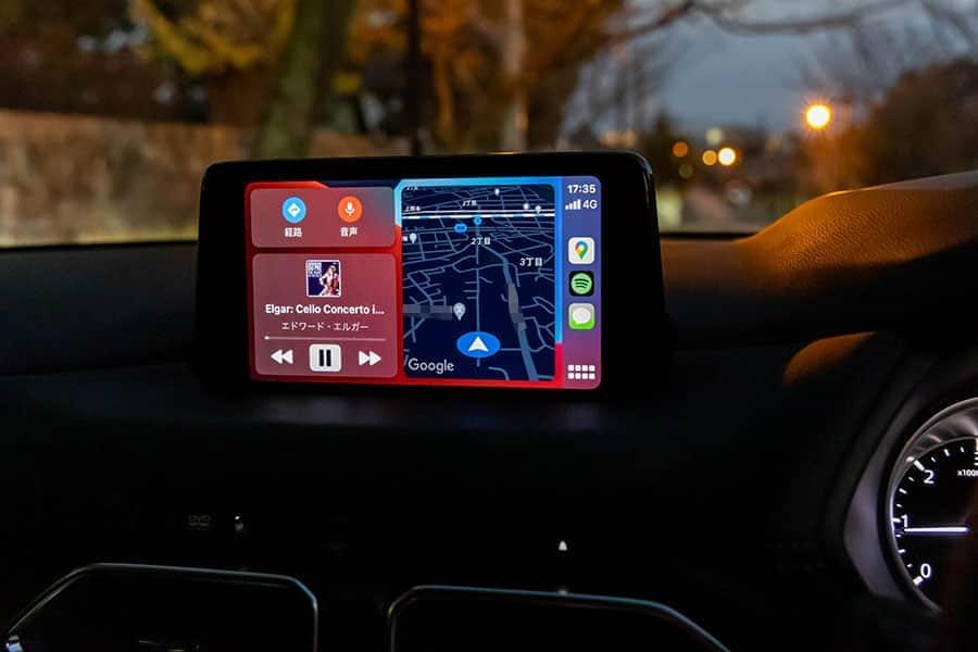 CarPlayを表示したディスプレイ