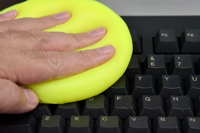 雑菌が多いキーボードを簡単除菌&ホコリを吸着するスライム『サイバークリーン Home&Office』レビュー