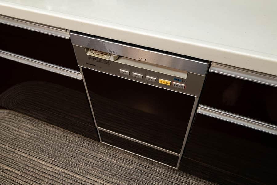 キッチンに据え置きされてる食器洗い乾燥機