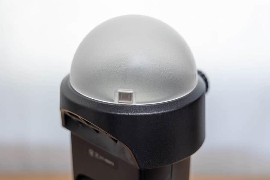ラウンドヘッドアダプターにドームディフューザーを装着