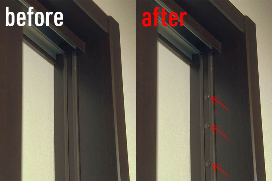 まずはドアが当たる部分にクッションゴムを貼り付ける