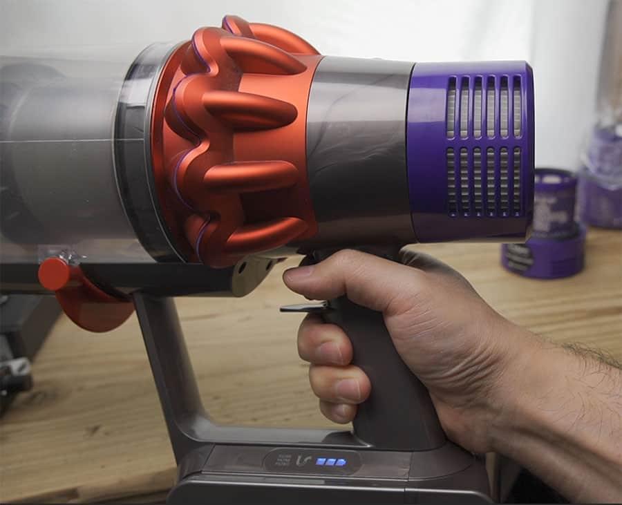 互換品のフィルターをダイソンV10に装着