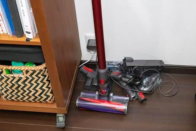 床に散乱してるクリーナーツール