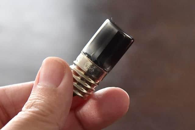 真っ黒になった点灯管