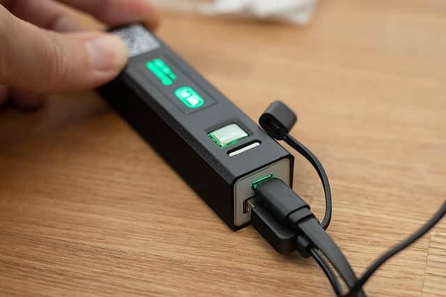 カメラをWi-Fi通信機に接続