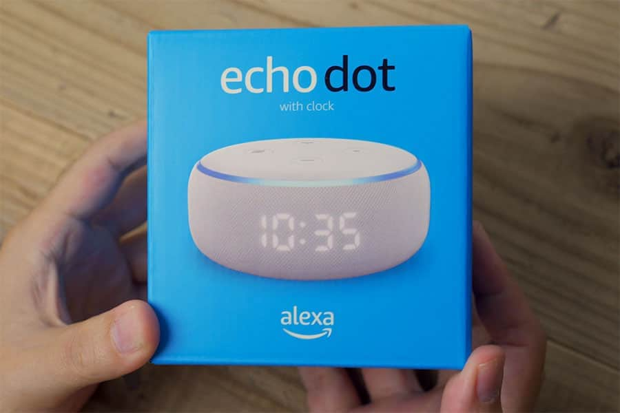 Echo Dot with Clock の箱