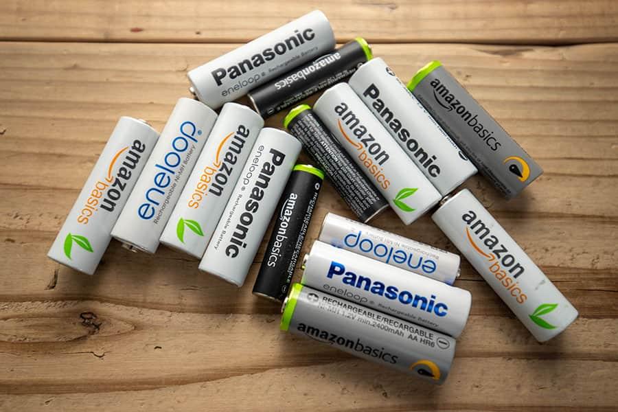 残量チェック便利!充電池を1本ずつ判別&効率よく充電してくれる急速充電器レビュー