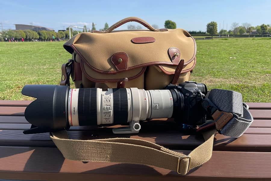 EOS R5とビリンガムのバッグ