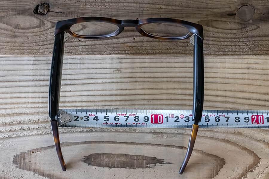 Faunaのメガネの幅