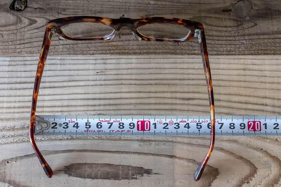 日本のメガネの幅