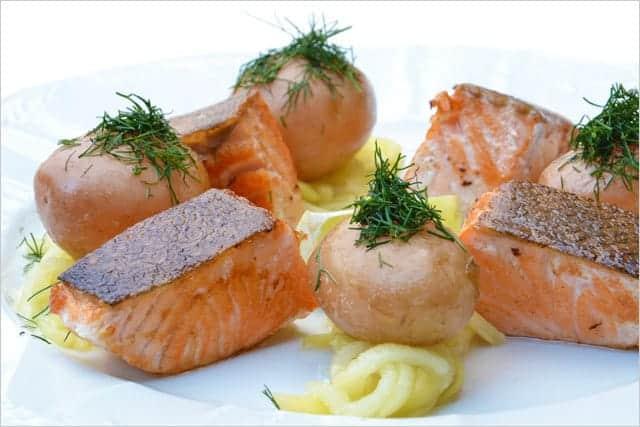 美味しそうな魚料理(鮭)