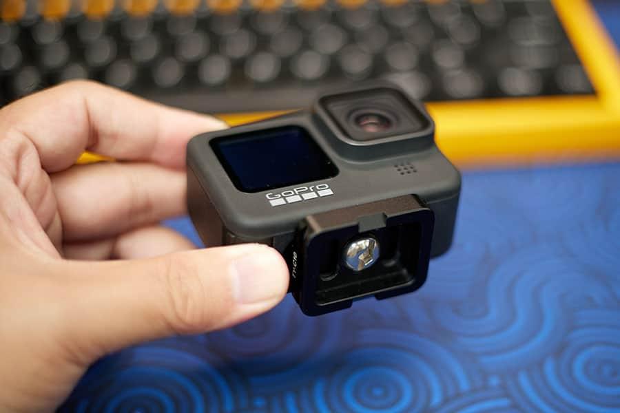 GoProに直接アルカスイスプレートを取り付ける