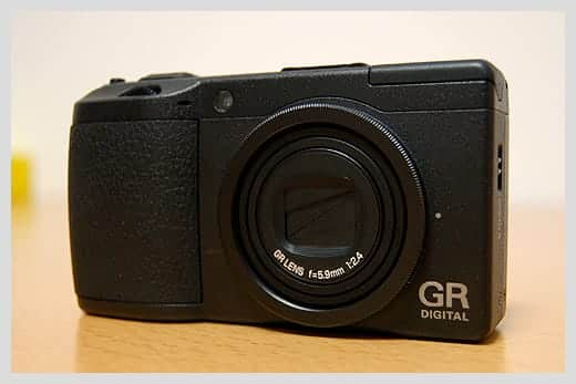 GR DIGITAL II の本体写真