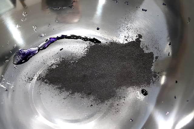 まずは染料液を作ります