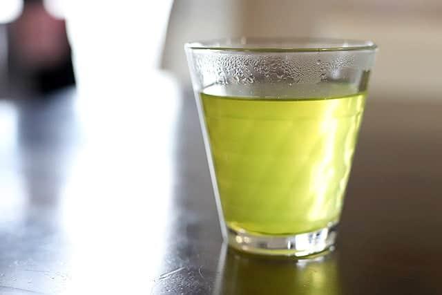 楽天市場でレビュー数18,000件越のお茶『鹿児島産荒仕上げ煎茶 さつまの風』を飲んでみた