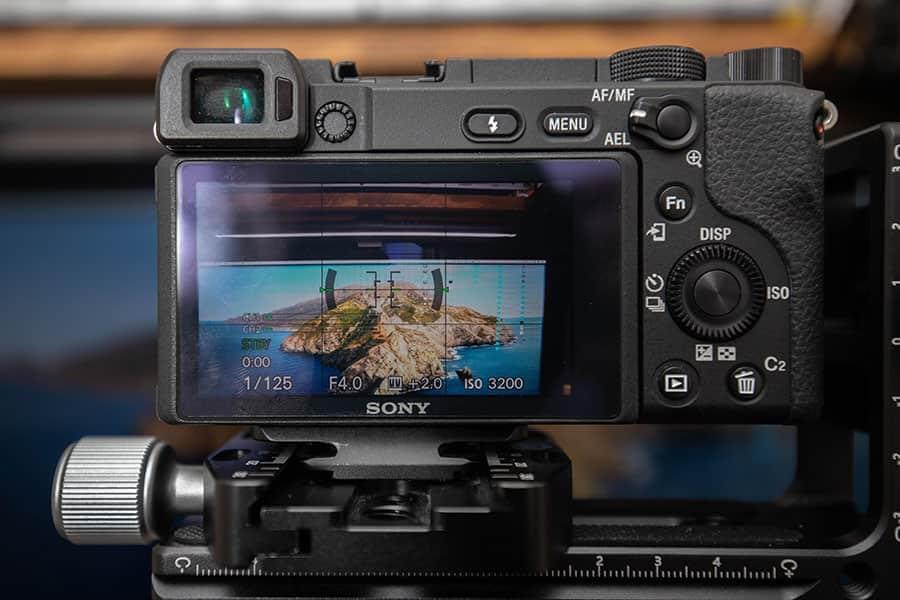 カメラ内の水平器でもバッチリ水平が取れました