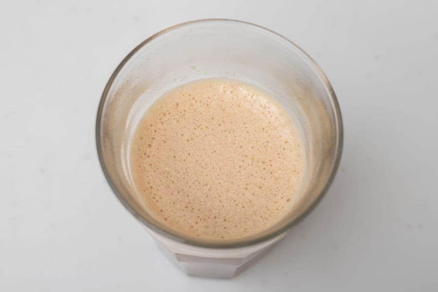 攪拌が終わると表面に細かな泡が出てきます