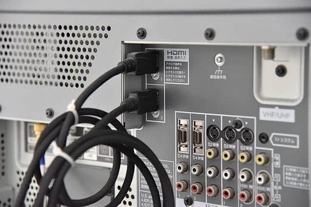 テレビのHDMI端子に接続する