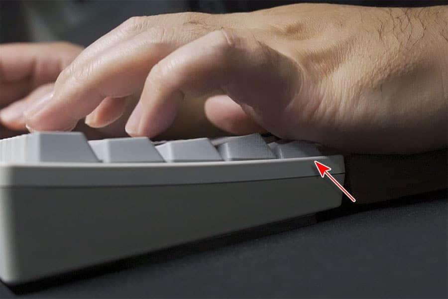 左下のFnキーと左手の組み合わせが便利