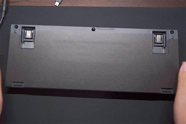 Professional2 専用の吸振マットを貼り付けた写真