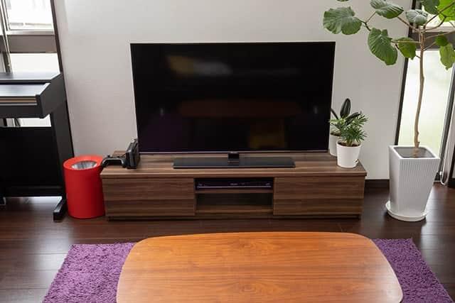 ハイセンスのテレビを置いたリビング