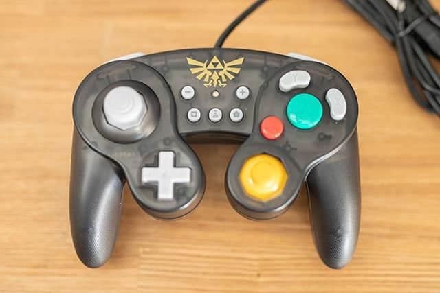 スマッシュブラザーズにはこれ!任天堂ライセンス商品『ホリ クラシックコントローラー for Nintendo Switch』購入レビュー