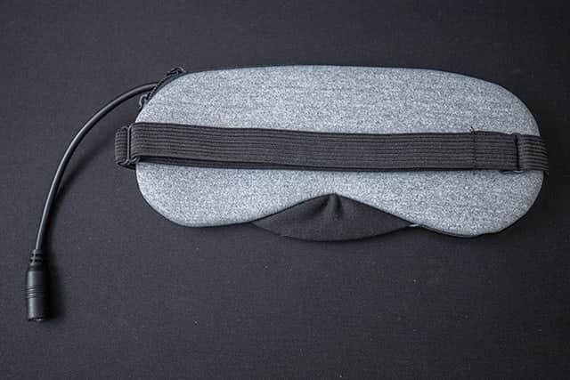 USBホットアイマスクすごい!モバイルバッテリーがあればいつでもどこでも目の疲れが取れる!