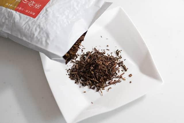 香ばしい香りと優しいまろ味が美味しい『宮崎県産 釜炒りほうじ茶』を飲んでみた