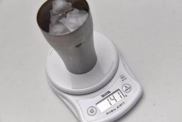 140g程度の氷です
