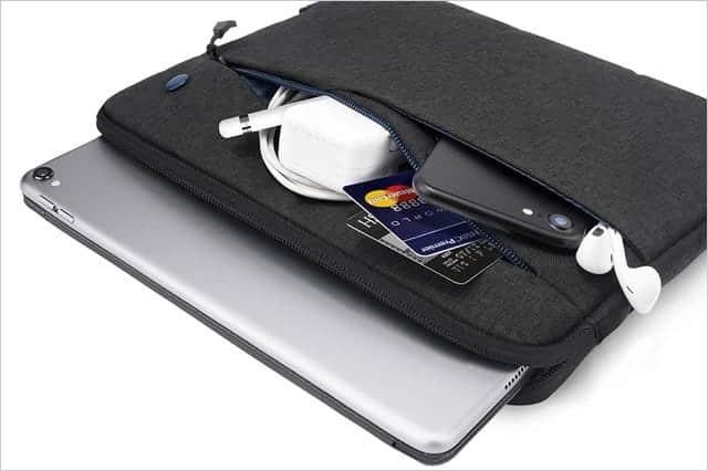iPad用ケース ポケット3つ