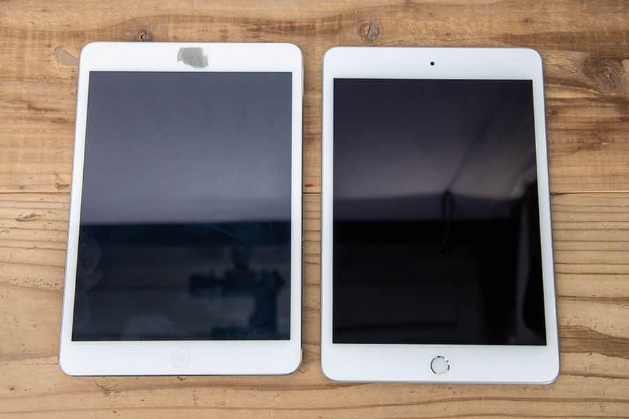 左がiPad mini 2で、右がiPad mini 第5世代