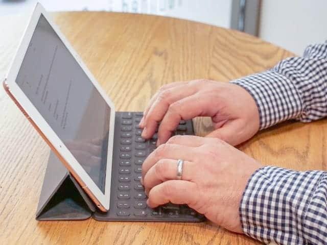 Smart Keyboard に各国語版が登場