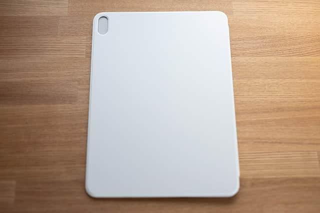 11インチiPad Pro用Smart Folio - ホワイト カメラ側