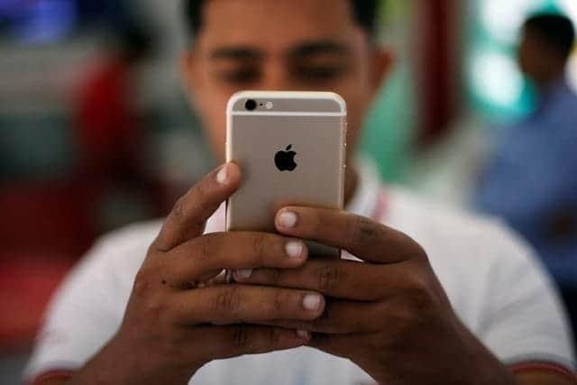 iPhone発売10周年、船出は苦難の連続だった