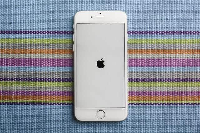 正規料金でiPhoneバッテリ交換したユーザーに5600円返金へ