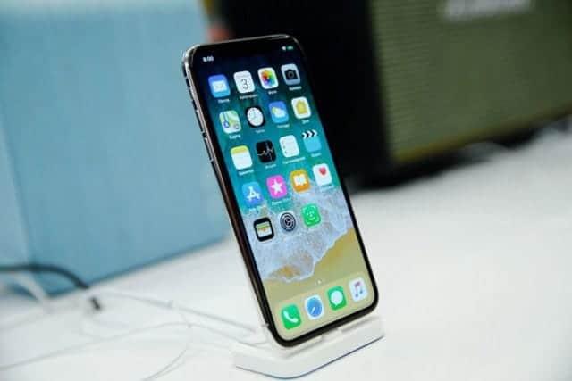 小型版iPhone Xはキャンセル 6.5インチへ