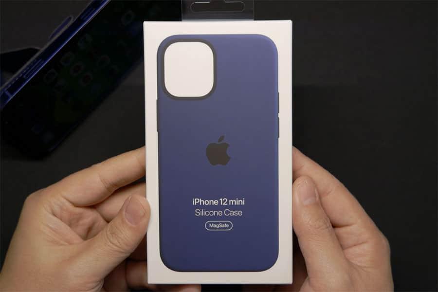 MagSafe対応 iPhone 12 mini シリコーンケースのパッケージ