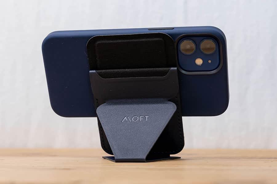 MOFT iPhone 12対応 マグネットスタンド&ウォレット