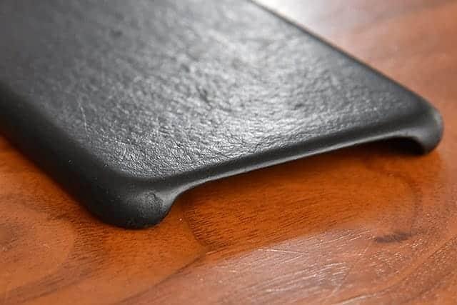 iPhone 6 Plus 革ケース 角の傷
