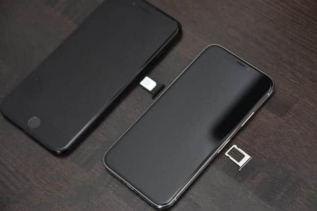 SIMカードはiPhone Xに差替え