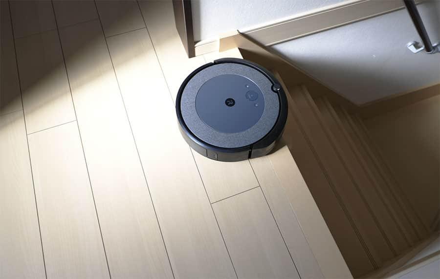 センサーが反応して階段には落ちないので2階でも安心して使える
