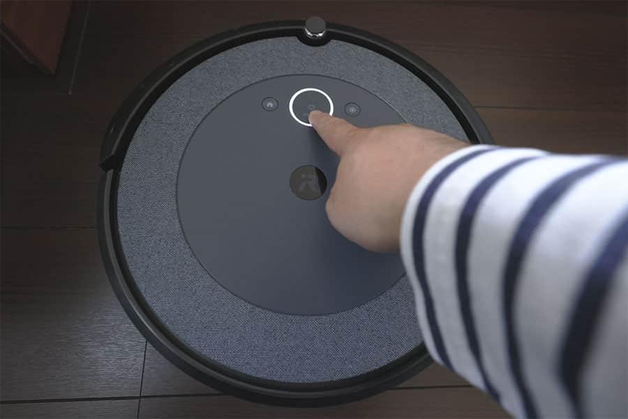 ルンバのクリーンボタンを押すとお掃除スタート